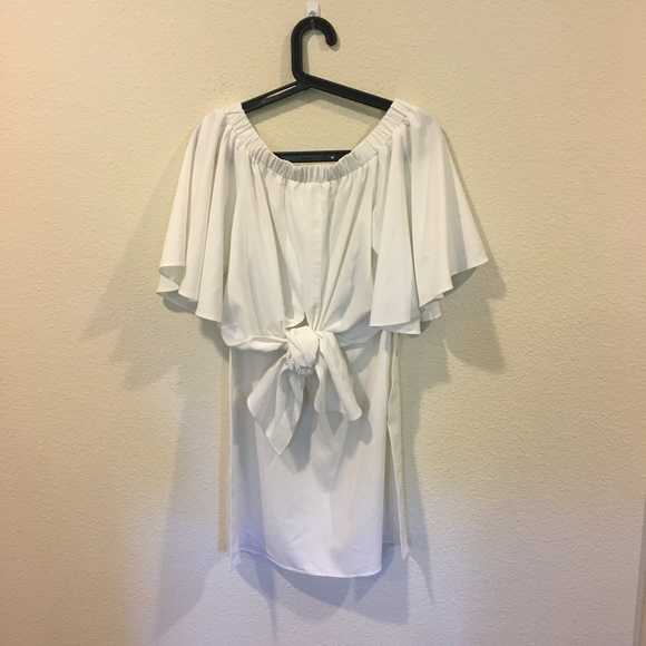 Tops - White off the shoulder tie high low top